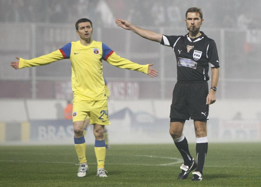 Romeo Surdu (în stînga) a marcat singurul gol al partidei din sezonul trecut al Cupei României