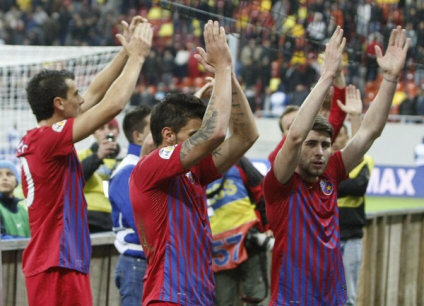 Jucătorii Stelei la finalul derby-ului cu Rapid