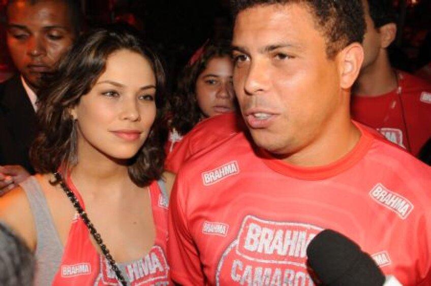 Ronaldo e arhicunoscut pentru escapadele sale din vremea cînd era jucător, dar acum s-a cumințit alături de actuala soție, Maria Beatriz Antony