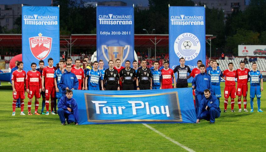 Dinamo s-a calificat la pas în finala de anul trecut cu un scor general de 7-1 în faţa Gloriei Bistriţa