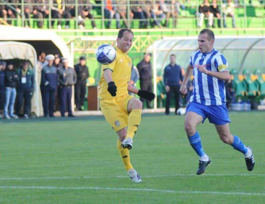 Veteranul Adailton (34 de ani) a fost şi ieri MVP-ul meciului    Foto: Gabriel Tănasă (Vaslui)