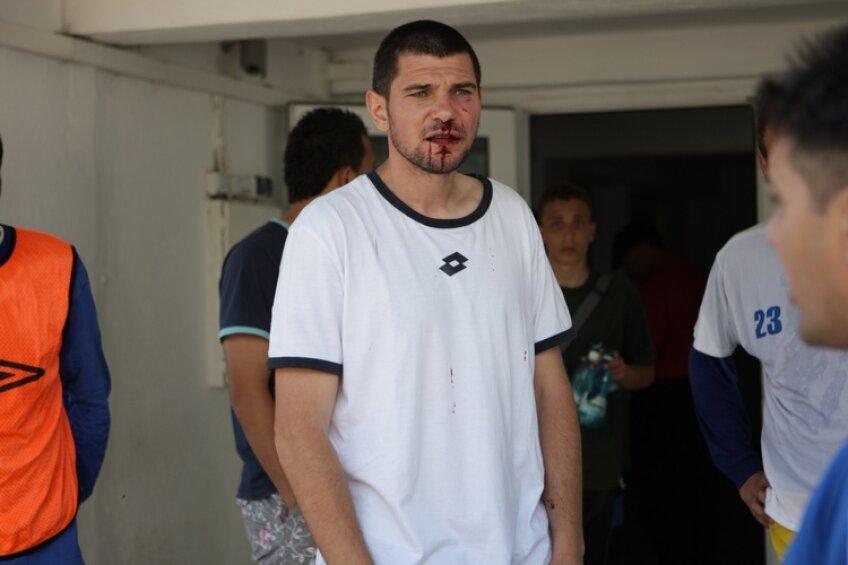 În 2010, Cosmin Paşcovici a fost agresat de şeful galeriei Farului (sursa foto: Telegraf Constanţa)
