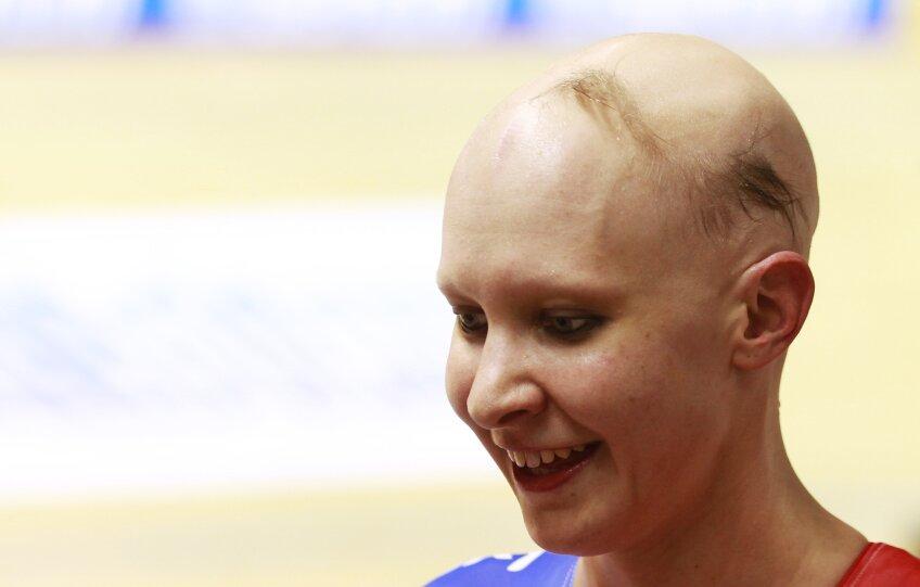 Joanna Rowsell, ciclista care acum nu-și mai poate închipui viața cu păr pe cap (foto: Reuters)