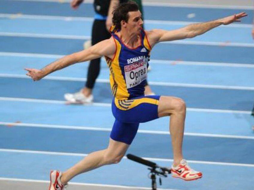 Marian Oprea este vicecampion olimpic la triplusalt.