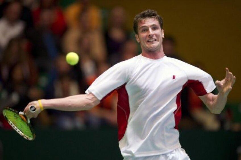Andrei Dăescu are parte de un debut nefericit la naţionala de Cupa Davis: înfrîngeri şi la simplu şi la dublu.