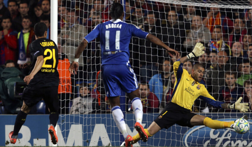 Momentul cheie: în prelungirile  primei reprize, Drogba marchează  golul victoriei lui Chelsea // Foto: Guliver/GettyImages