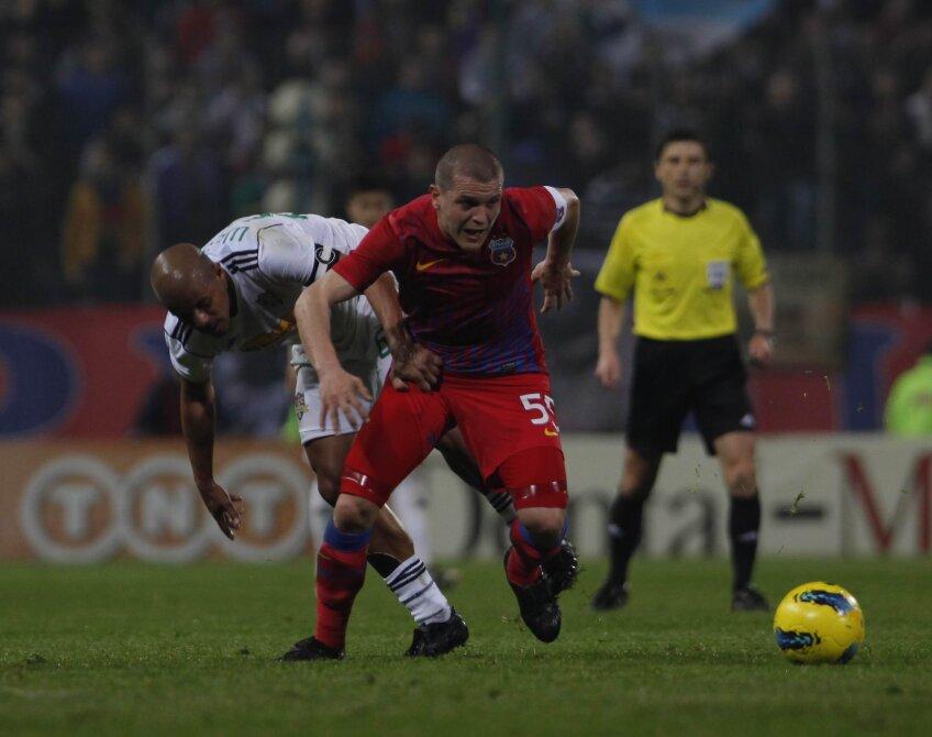 Bourceanu are aici prim-planul, dar finalmente el a rămas cu mingea, iar Wesley cu golul