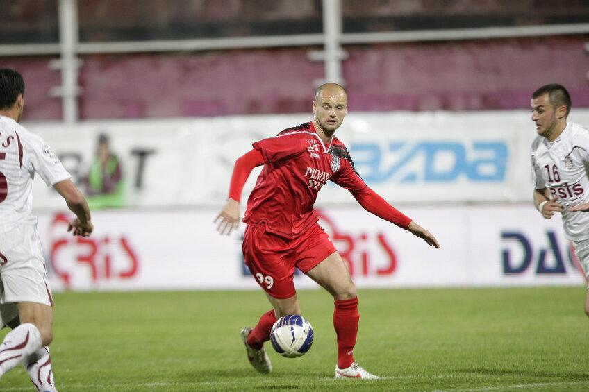 Darko Lukanovici (Voința Sibiu), neputincios în meciul Rapid, scor 3-0 pentru giuleșteni