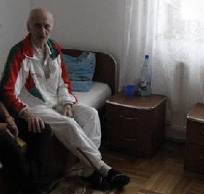 2012. Înainte de a fi dus la azil, Gigi Staicu a fost internat și la Institutul