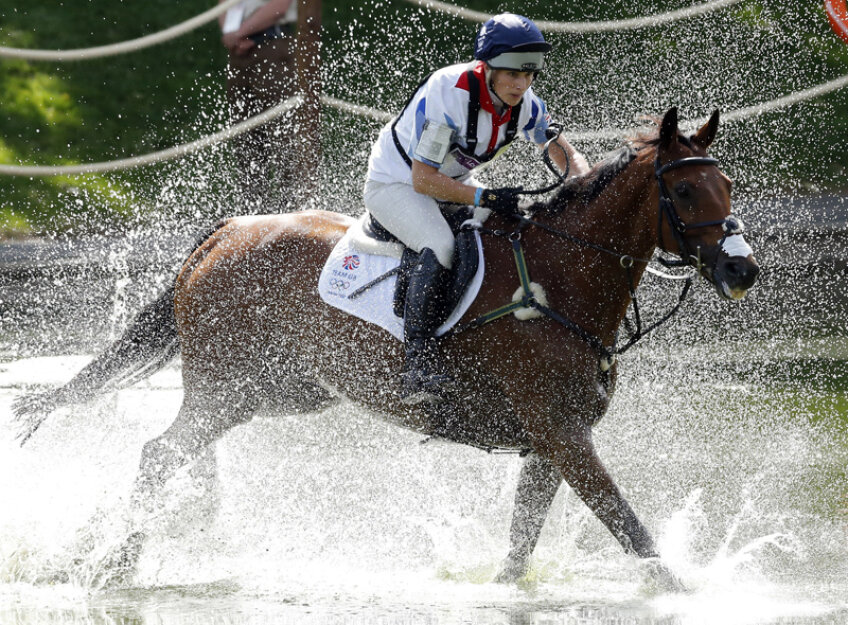 Zara Phillips este foarte pasionată de cai.