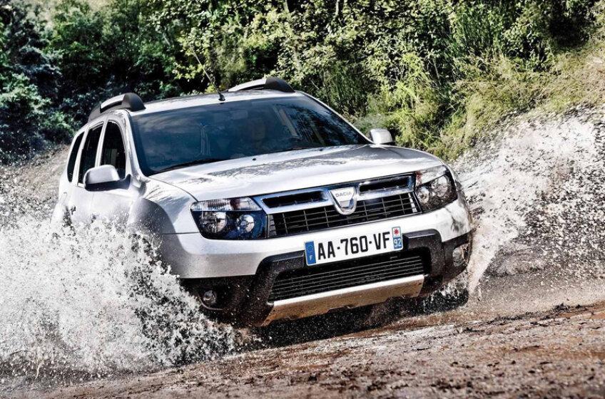 Dacia Duster arată bine şi în plină cursă off-road