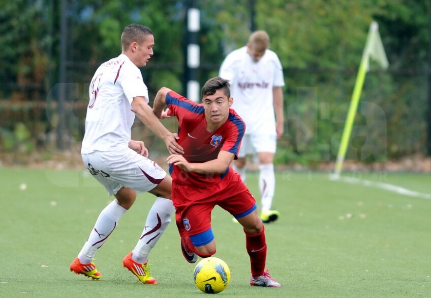 Răzvan într-un meci Steaua - Rapid. Foto: Răzvan Păsărică