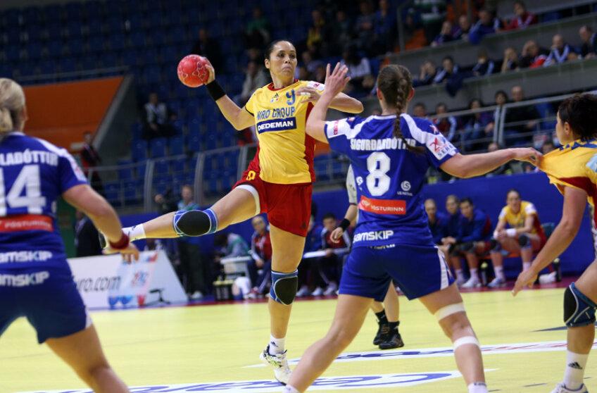 Aurelia Brădeanu a înscris aseară 7 goluri, cele mai multe pentru echipa României // Foto: Marius Ionescu (Vrşeţ)