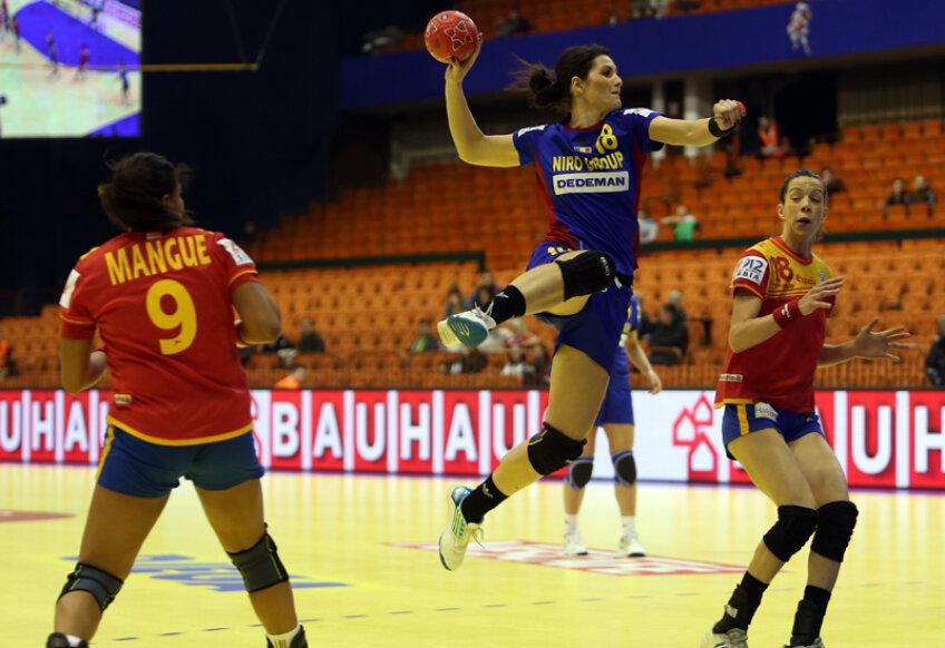 Adina Meiroşu a înscris 4 goluri preţioase în meciul de ieri // Foto: Marius Ionescu (Novi Sad)