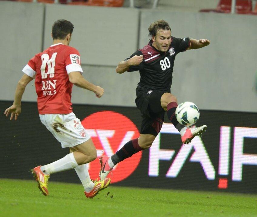 Filipe Teixeira (dreapta) este tot mai aproape de Steaua