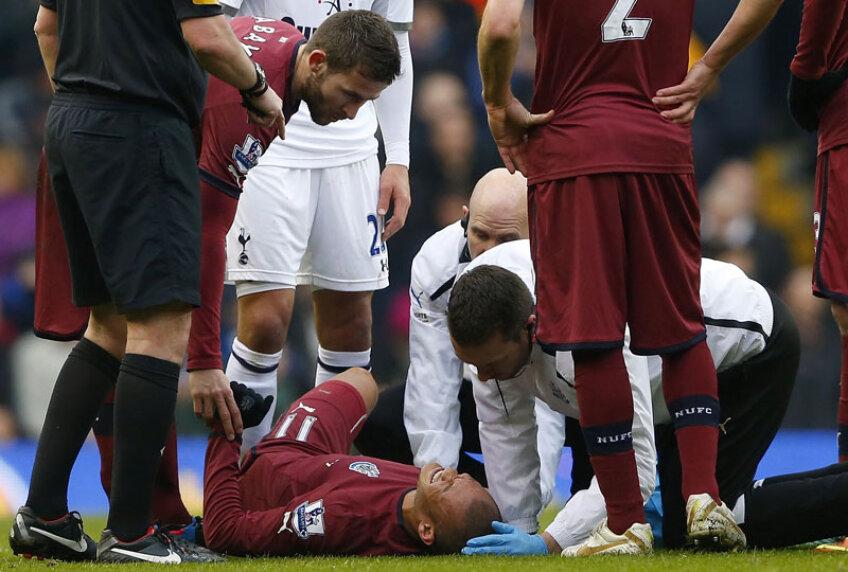 Stafful medical al lui Newcastle intră în alertă, iar francezul de 1,76 milioane de euro e scos pe targă