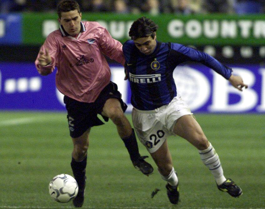 Cosmin Contra (stînga) a jucat la Alaves în perioada 1999-2001, prinzînd inclusiv o finală de Cupa UEFA, pierdută în prelungiri împotriva lui Liverpool (4-5 în 2001)