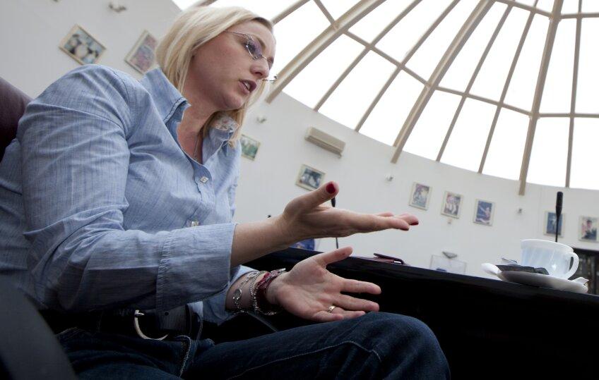 Gabriela Szabo lucrează la FRA din 2005, anul în care s-a retras din activitatea competiţională