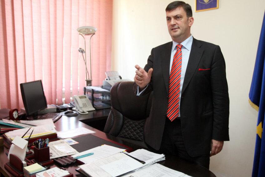 Mănescu a ieșit anul trecut primar pe listele USL. El e vicepreședinte PNL și șef al filialei PNL sector 6 // Foto: Libertatea