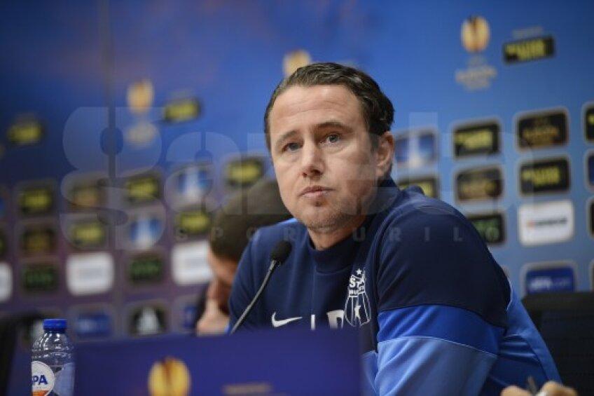 Steaua iese din silenzio stampa, antrenorul rămîne