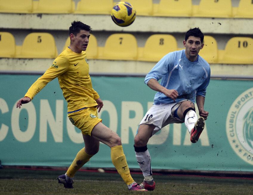 La 27 de ani, Florin Costea încearcă să-și relanseze cariera la penultima clasată din Liga 1 // Foto: Alex Nicodim (Chiajna)
