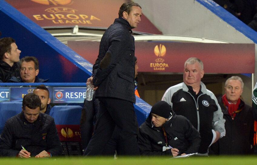 Laurenţiu Reghecampf nu pare prea încîntat de jocul făcut de stelişti în meciul cu Chelsea