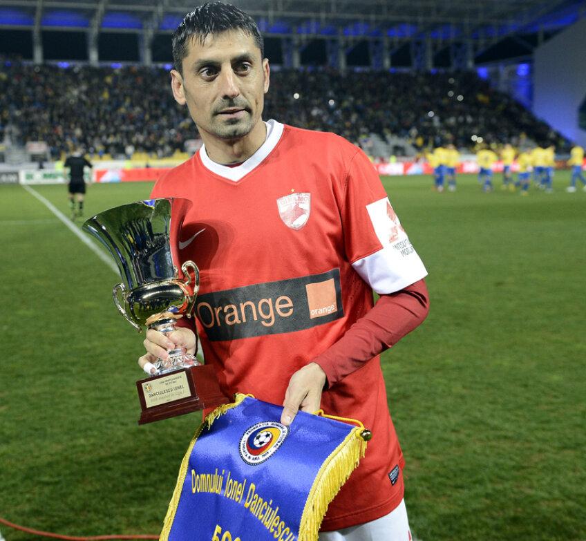 Dănciulescu și trofeul primit aseară din partea LPF
