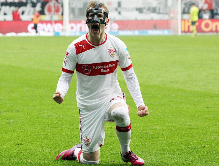 Maxim, în genunchi, după pasa de gol. Datorită și lui, Stuttgart a bifat a doua victorie în 2013 // Foto: Herbert Rudel/Bild-Stuttgart