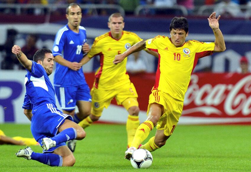 Cristi Tănase (dreapta) a jucat ultimul său meci în preliminariile CM 2014 cu Andorra, la Bucureşti