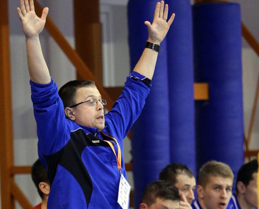 Răzvan Bernicu a suferit mult pe marginea terenului // Foto: Mediafax