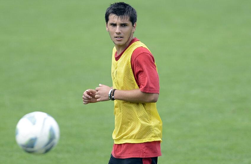 Matei, 1,75 metri, a bifat doar 7 partide în prima ligă, două la Steaua și 5 la Urziceni