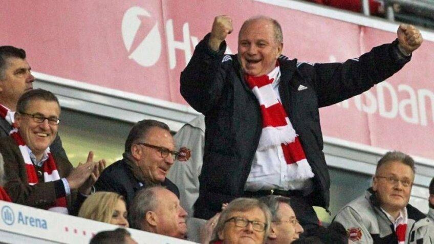 Honess, aici sărbătorind golul Wolfsburgului, e acuzat de evaziune fiscală
