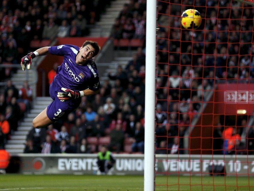 Pantilimon a primit 10 goluri la City în 2013/2014 (11 apariții). Sîmbătă a respins prost și din propriile-i picioare mingea a aterizat la Dann (Blackburn), care a egalat