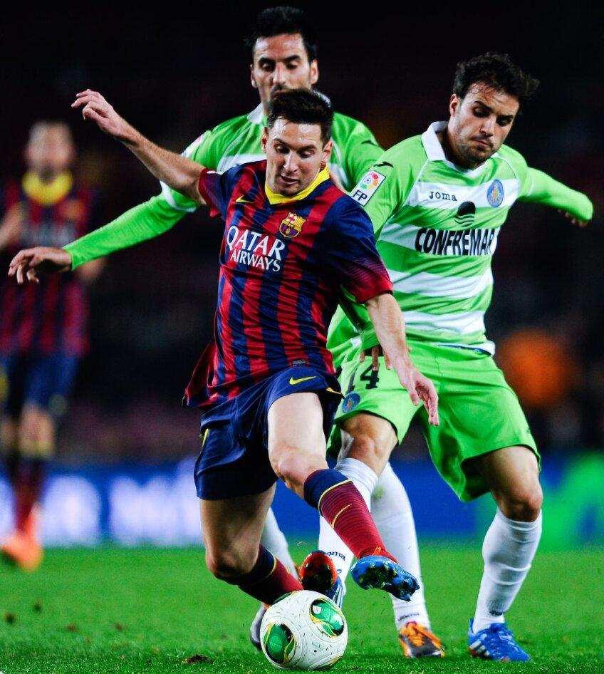Leo Messi găseşte fisura prin care se infiltrează irezistibil // Foto: Guliver/GettyImages