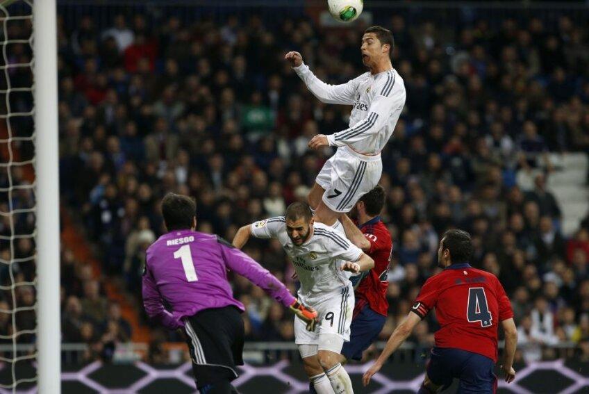 Cristiano Ronaldo și saltul peste Karim Benzema, foto: reuters