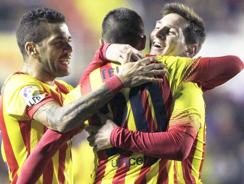 Cristian Tello, Dani Alves și Lionel Messi, cei trei actori principali ai zilei, foto: reuters