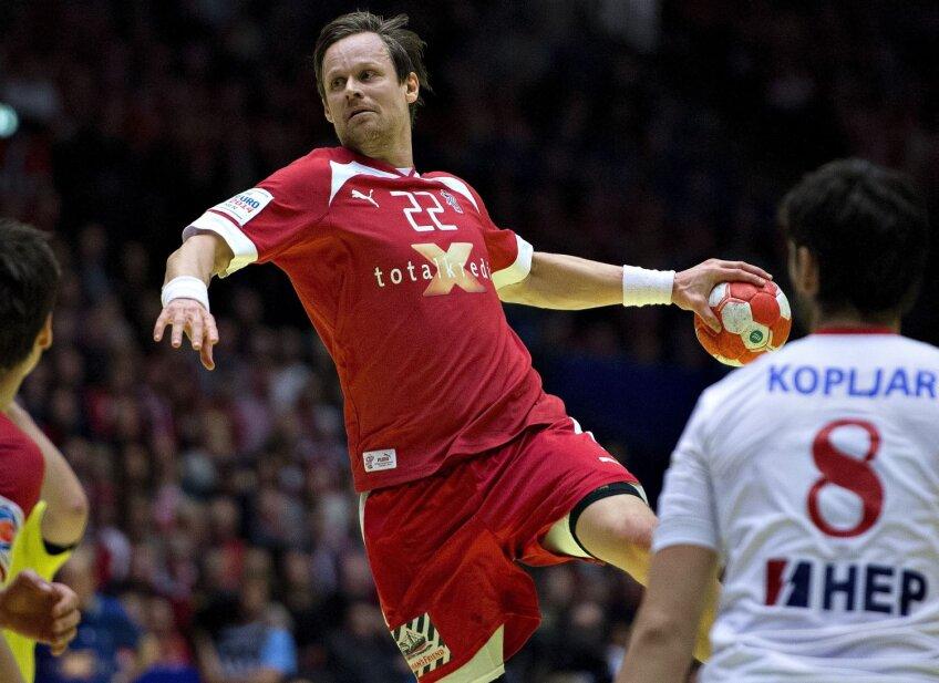 Danezul Kasper Soendergaard, peste apărarea croată în meciul din semifinale