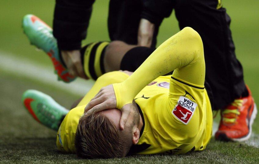 Blaszczykowski nu mai poate privi. Presimte că i s-a întîmplat ceva rău // Foto: Reuters