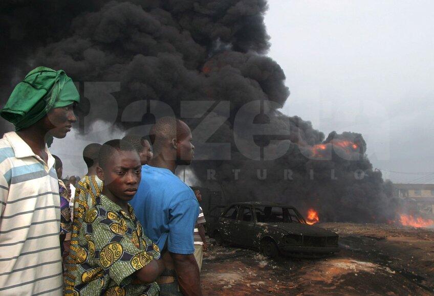 Foc, fum şi feţe speriate, Nigeria e terorizată