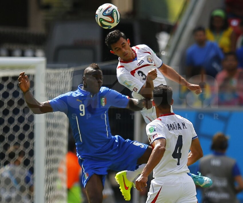 Gonzalez și Umana l-au scăpat rar din marcaj pe Balotelli, iar cînd a reușit, Mario n-a marcat // Foto: Reuters