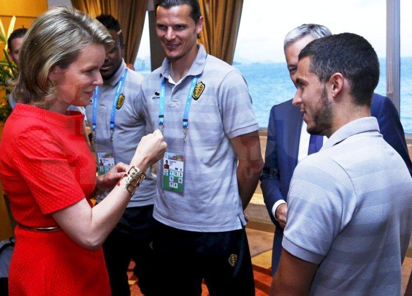 Regina Matilda discută cu Van Buyten și Eden Hazard, foto: reuters