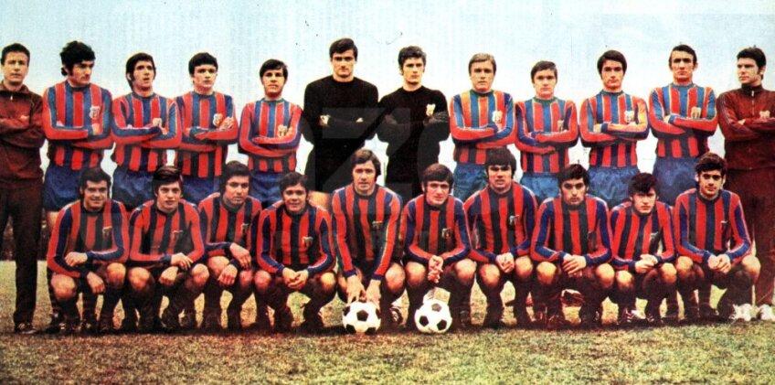 Echipa Stelei cu stema inspirată de Barcelona, foto: GSP