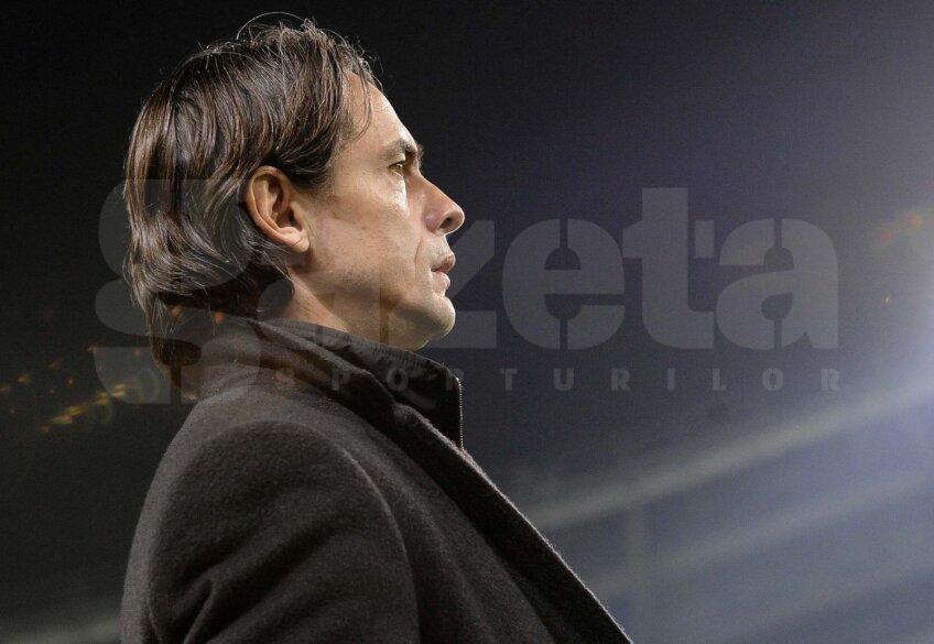 Inzaghi e pe banca Milanului din iunie 2014, cînd l-a înlocuit pe fostul coechipier, Clarence Seedorf // Foto: Reuters