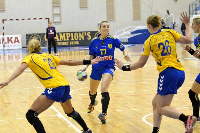 Andreea Pricopi a marcat ieri de 6 ori pentru Corona   Foto: Bogdan Bălaş