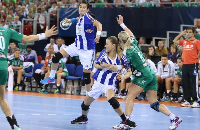 Cristina Neagu a fost deja votată de fani drept cel mai bun inter stînga din Liga Campionilor în acest sezon // Foto: Marius Ionescu