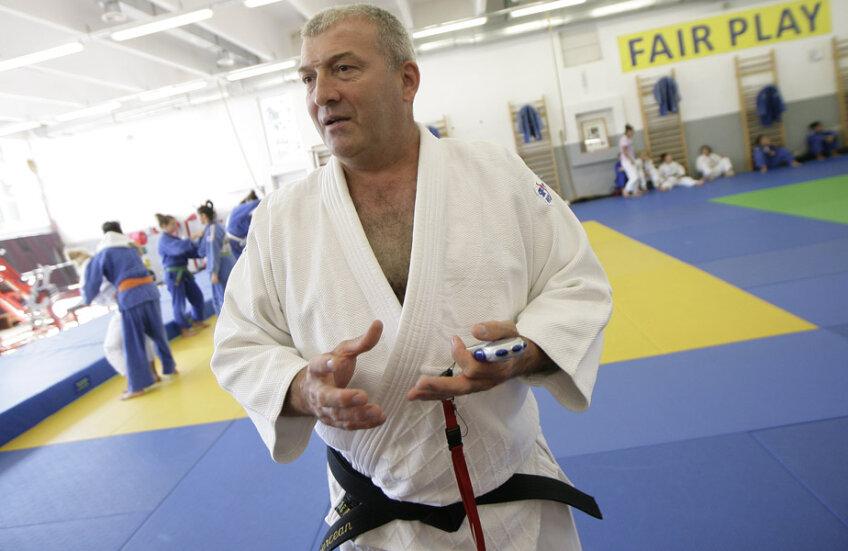 Florin Bercean este antrenor la lotul olimpic de judo din 1998 şi pînă în prezent
