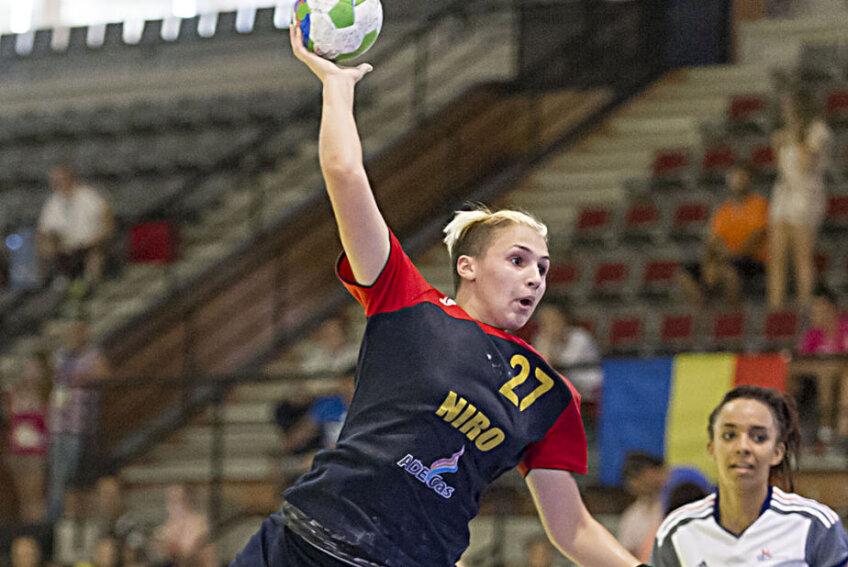 Lorena Ostase a marcat de 4 ori în poarta Franței Foto: eurohandball