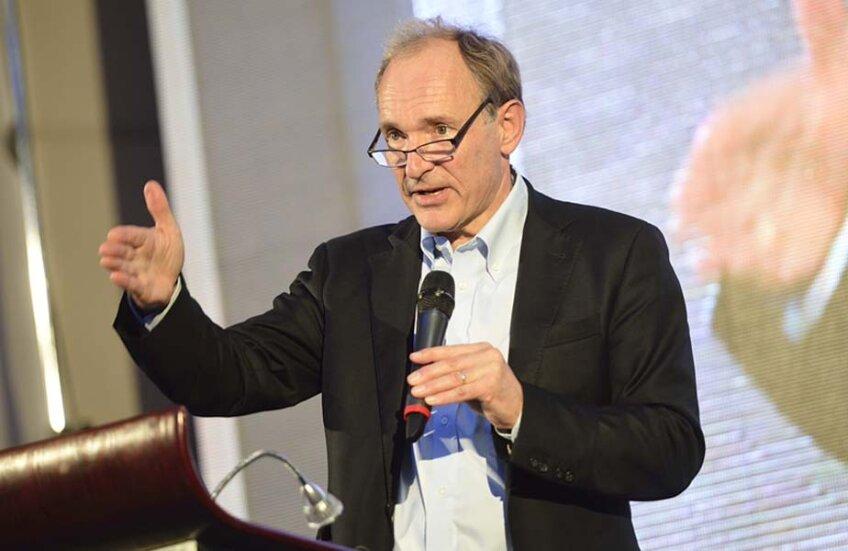 Sir Tim Berners-Lee, în timpul expunerii de săptămîna trecută