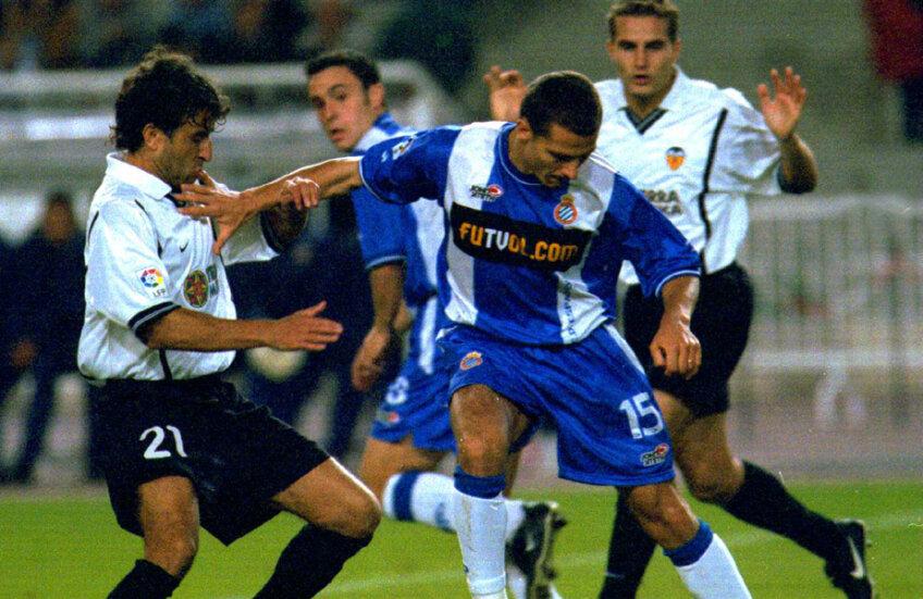 Costel, duel cu Milla (stînga) și Baraja într-un meci cu Valencia // Foto: Guliver/GettyImages