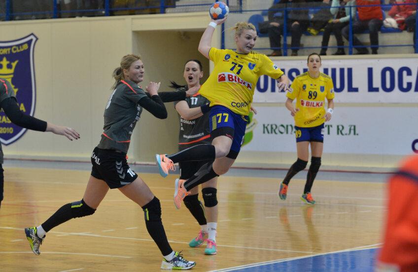 Andreea Pricopi a avut o evoluție încântătoare în centru în meciul de ieri // FOTO Bogdan Bălaș (Brașov)